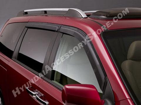 Hyundai_Entourage_Vent_Visors.JPG