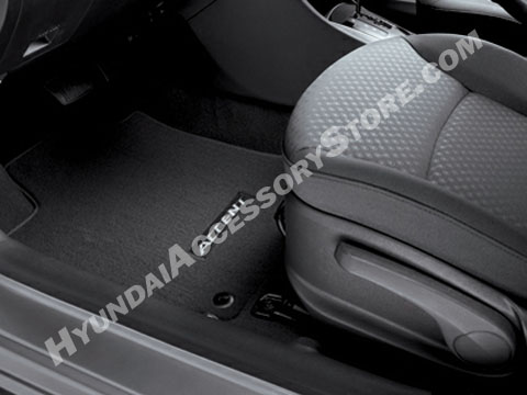 2012_hyundai_accent_carpeted_floor_mats.jpg
