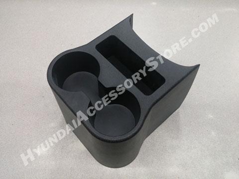 2012_hyundai_accent_rear_cup_console.jpg