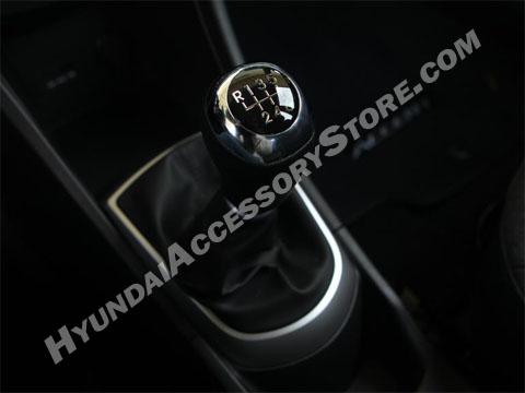 2012_hyundai_accent_sport_shifter.jpg
