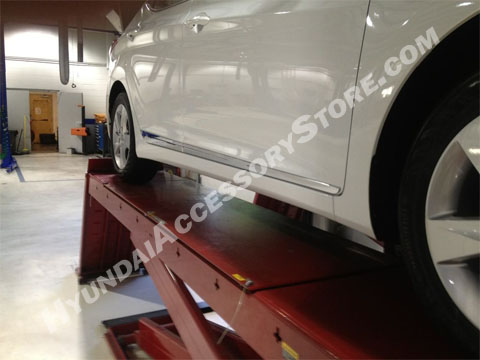 2011_elantra_lower_door_chrome_moulding_set.jpg