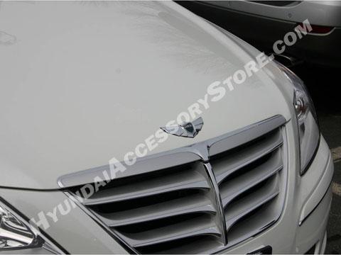 hyundai_genesis_sedan_winged_front_emblem.jpg