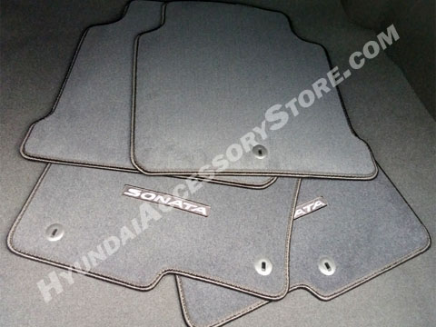 2015_hyundai_sonata_carpeted_floor_mats.jpg