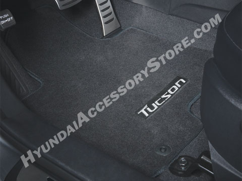 2011_hyundai_tucson_carpeted_floormats.jpg