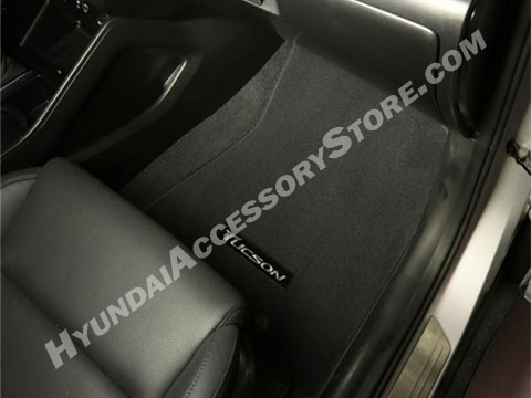 2016_hyundai_tucson_carpeted_floor_mats.jpg