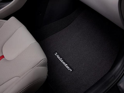 2019_hyundai_veloster_carpeted_floor_mats